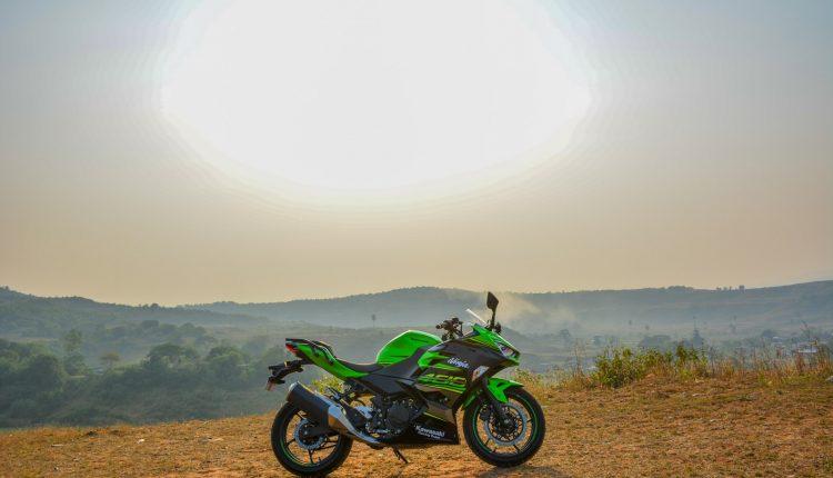 2018-Kawasaki-Ninja-400-India-Review-17