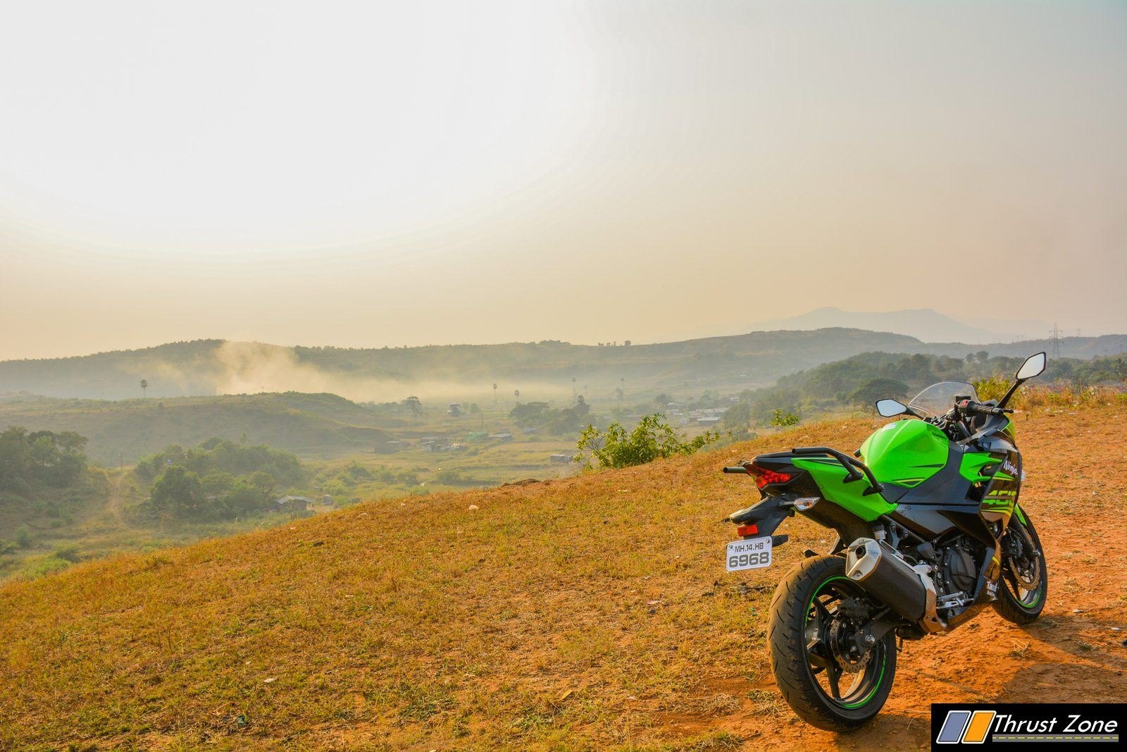 https://www.thrustzone.com/wp-content/uploads/2018/11/2018-Kawasaki-Ninja-400-India-Review-27.jpg