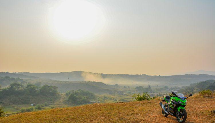 2018-Kawasaki-Ninja-400-India-Review-28