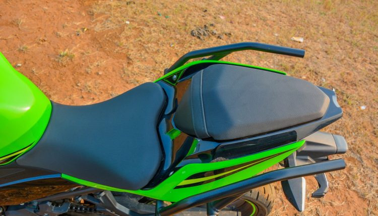 2018-Kawasaki-Ninja-400-India-Review-30