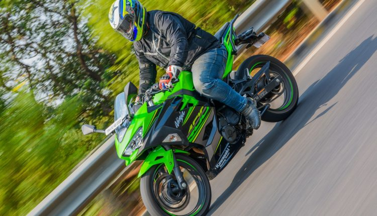2018-Kawasaki-Ninja-400-India-Review-4