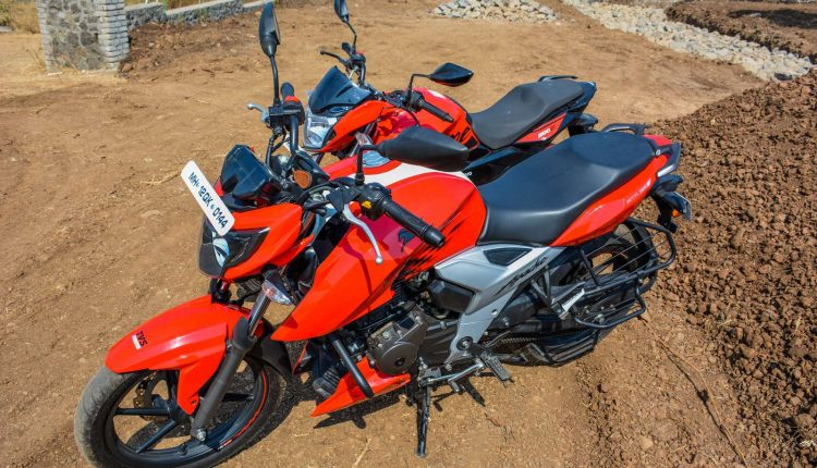 Hero-Xtreme-200R-vs-Apache-RTR-160-Comparison-Review-2