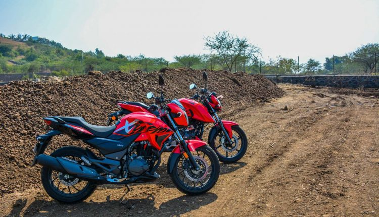 Hero-Xtreme-200R-vs-Apache-RTR-160-Comparison-Review-3