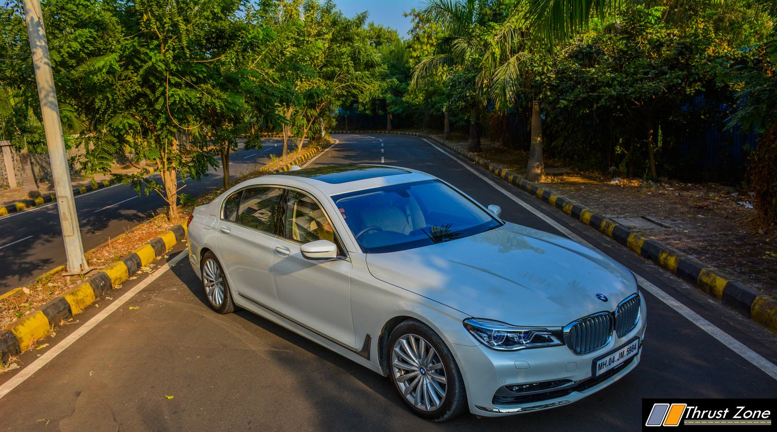https://www.thrustzone.com/wp-content/uploads/2018/12/2018-BMW-7-SERIES-740i-INDIA-Review-14.jpg
