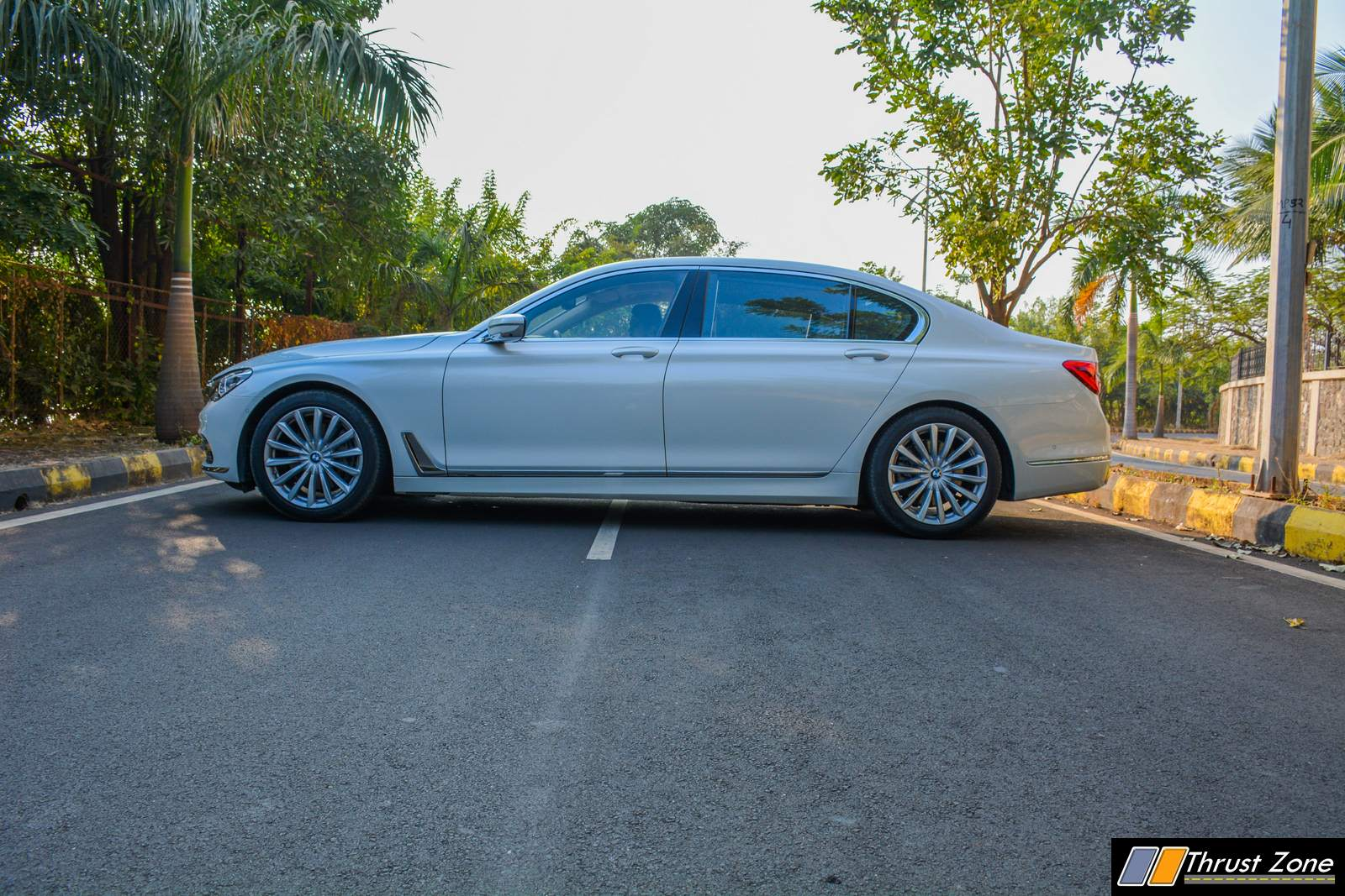 2018-BMW-7-SERIES-740i-INDIA-Review-19
