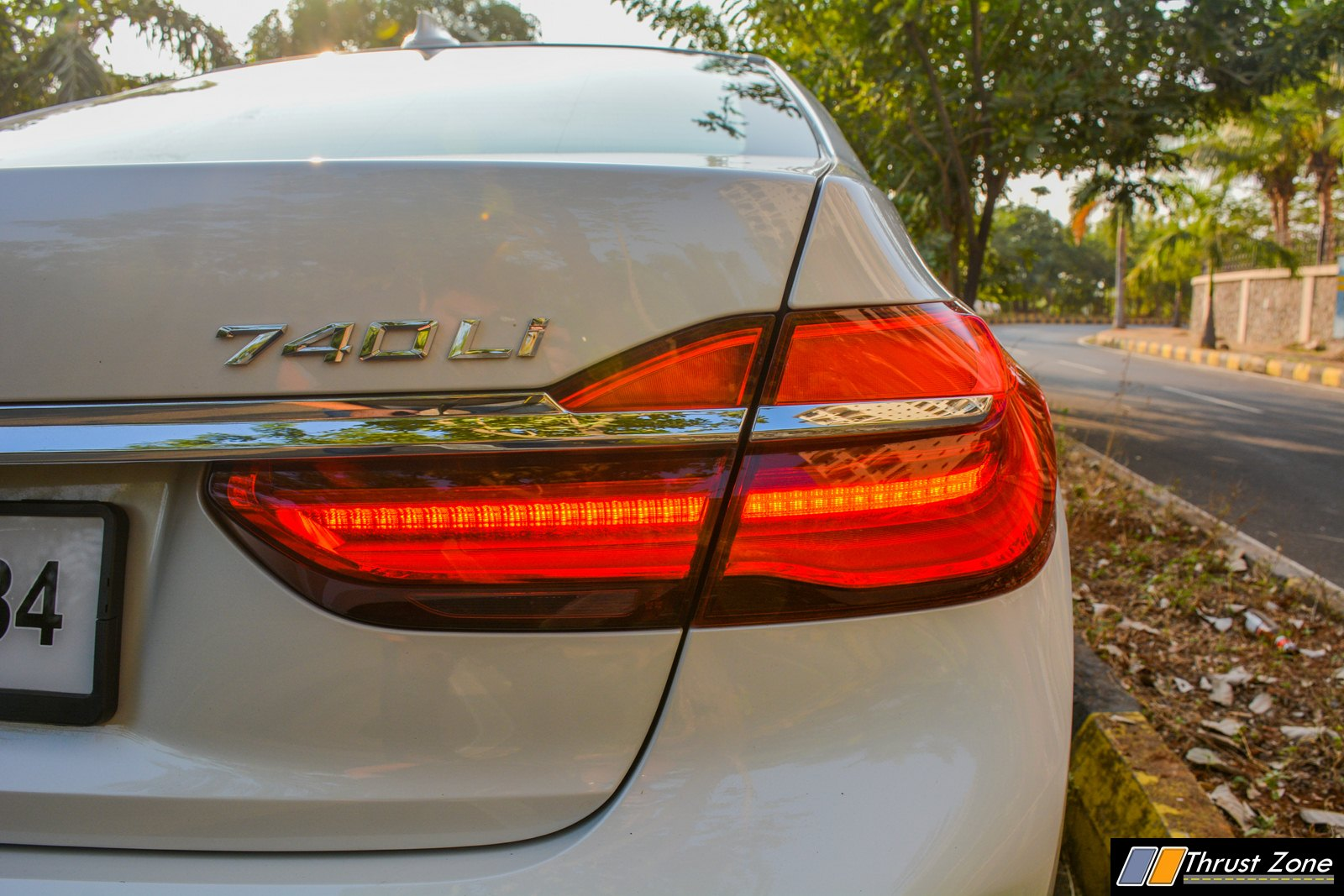 https://www.thrustzone.com/wp-content/uploads/2018/12/2018-BMW-7-SERIES-740i-INDIA-Review-25.jpg
