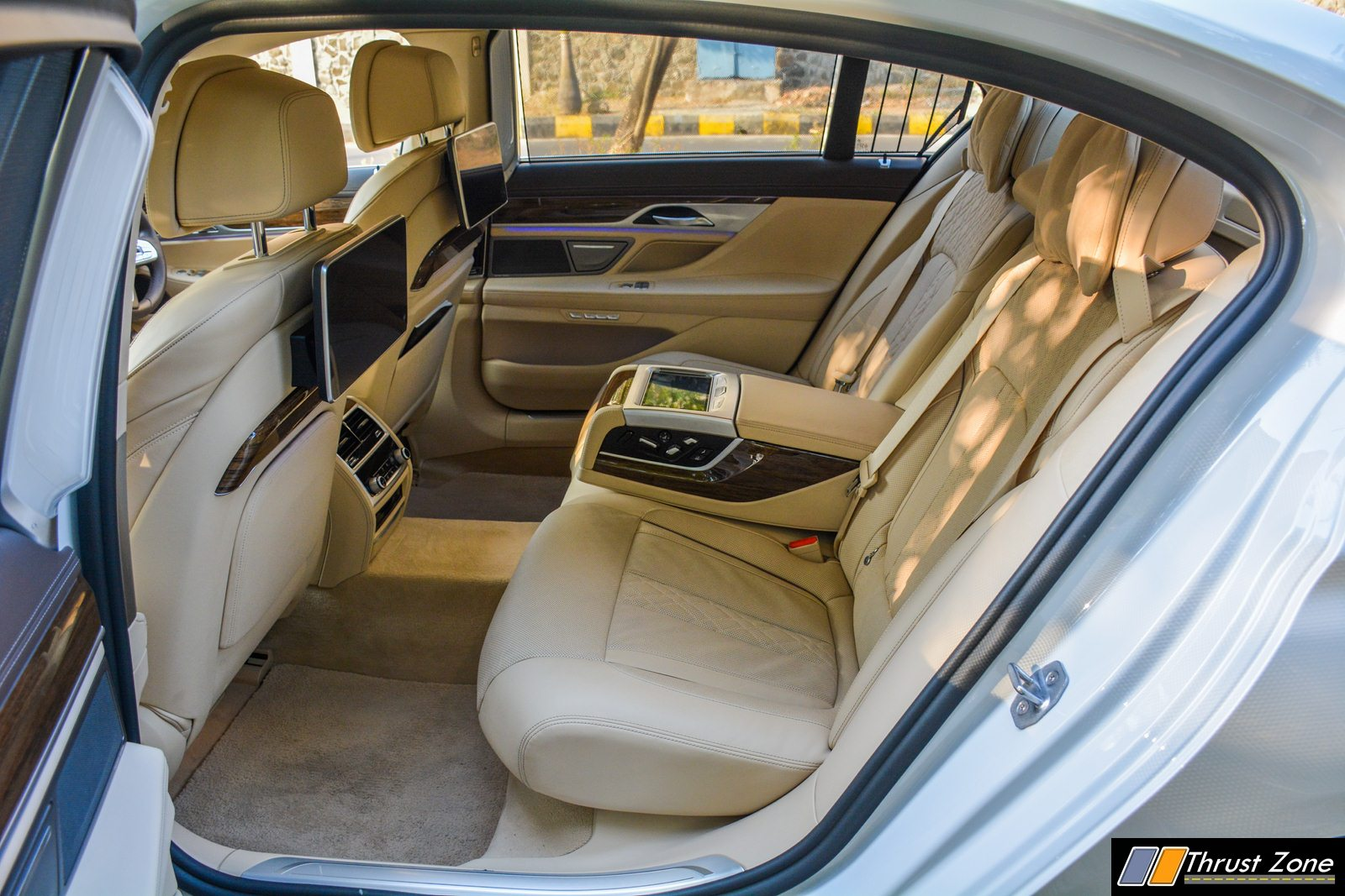 2018-BMW-7-SERIES-740i-INDIA-Review-27