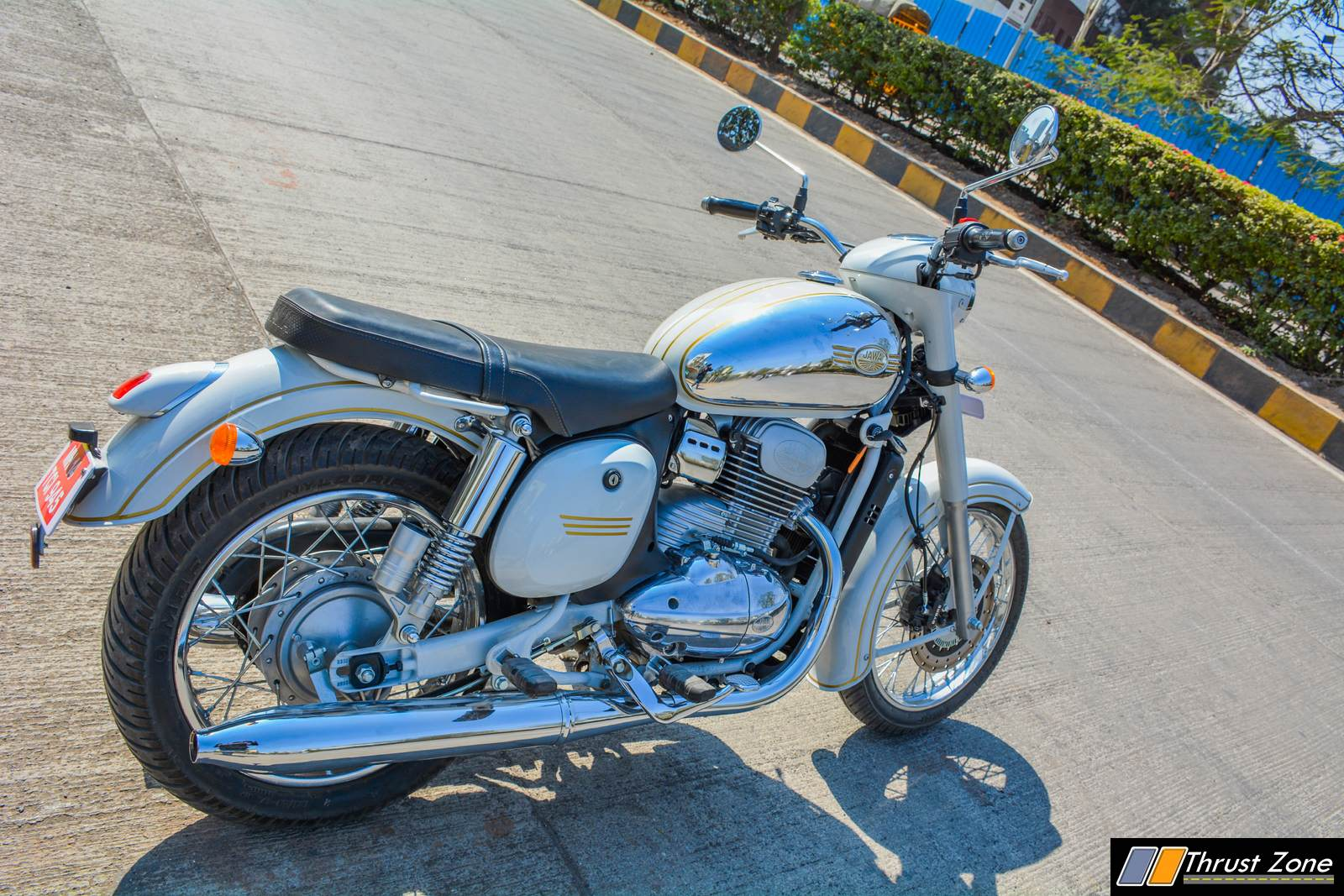 jawa-300-classic-india-review-3