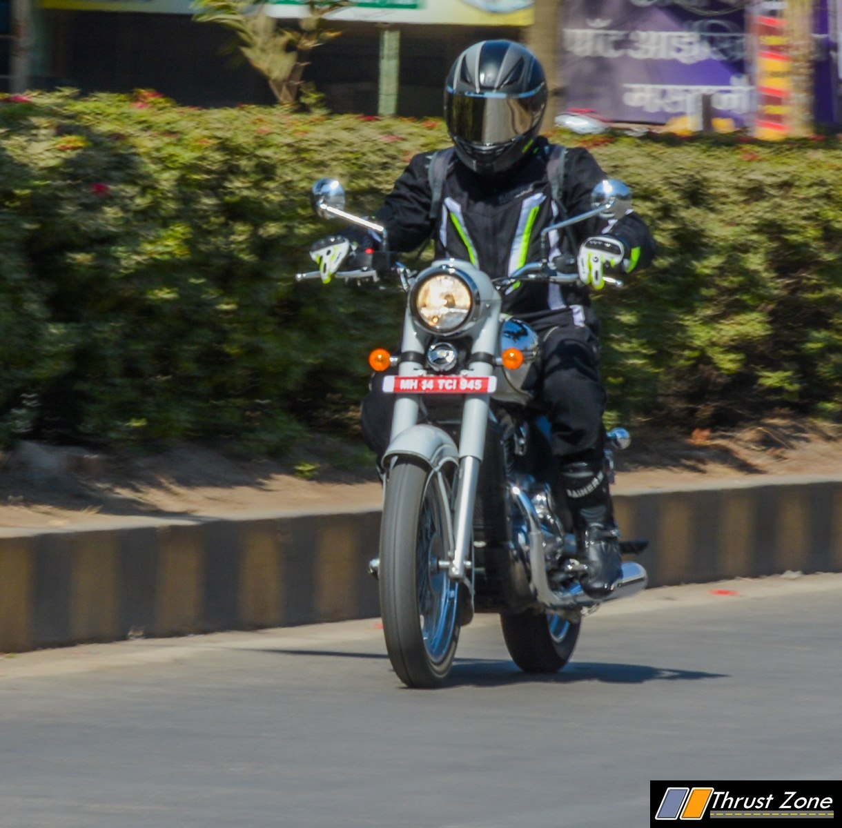 https://www.thrustzone.com/wp-content/uploads/2019/01/jawa-300-classic-india-review-8.jpg