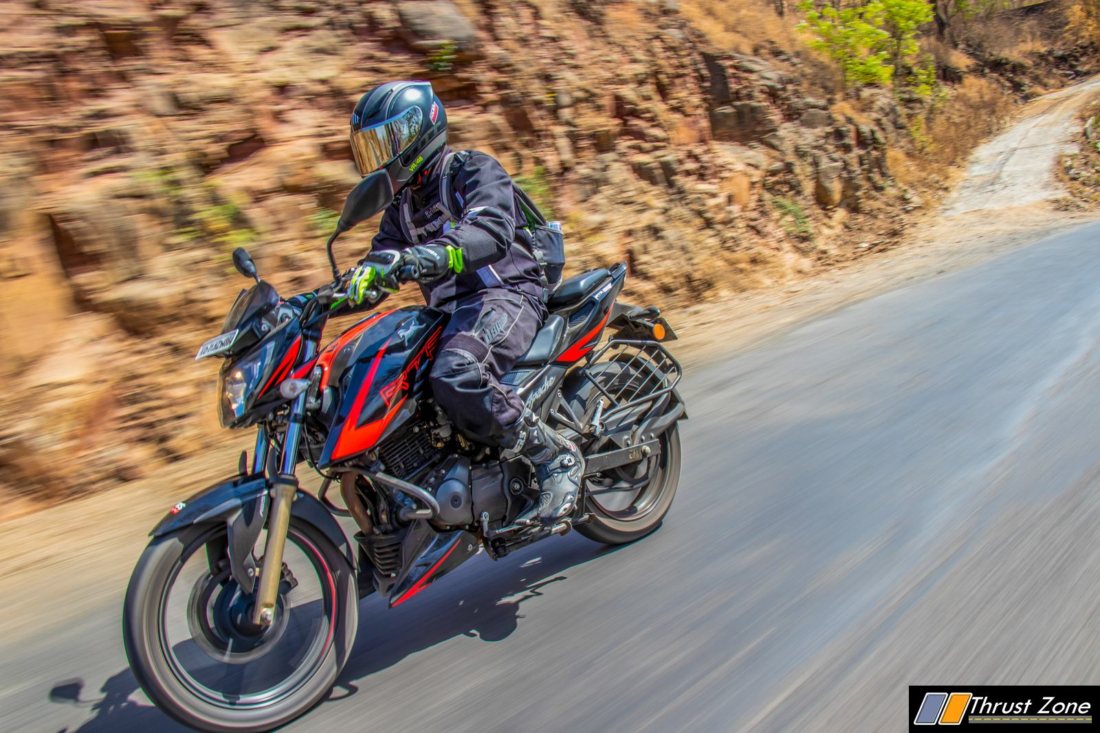 2019-Apache-RTR-200-Race-Edition-Review-19