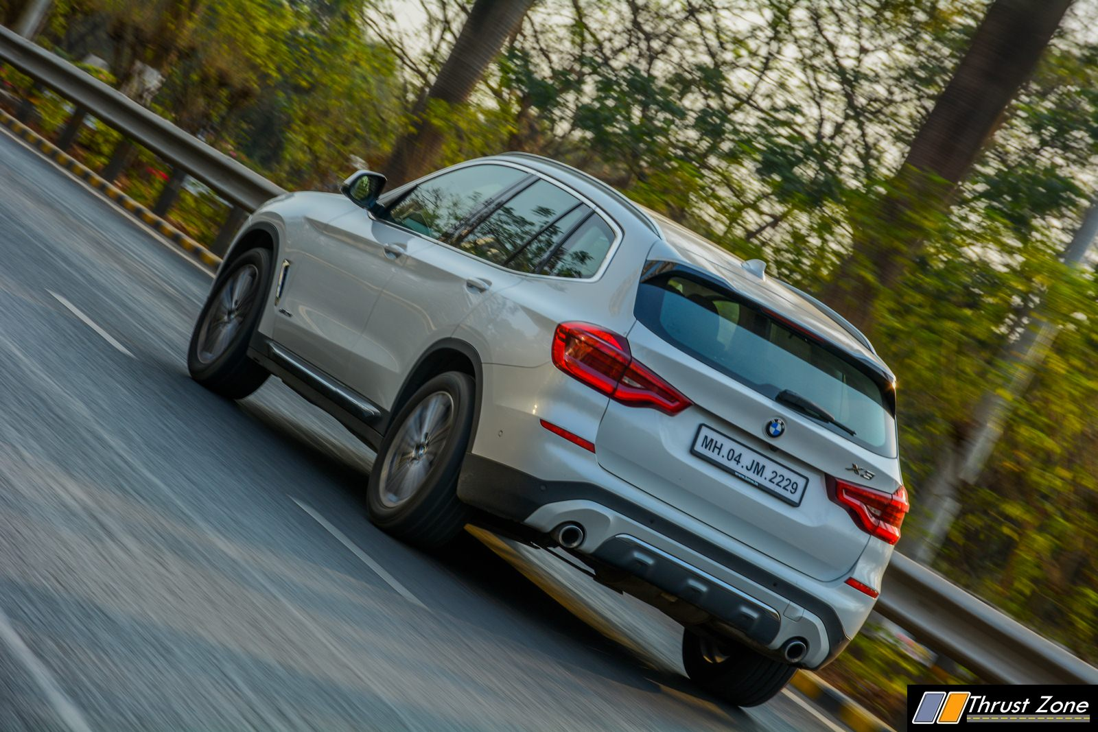 2019-BMW-X3-Diesel-India-Review-23
