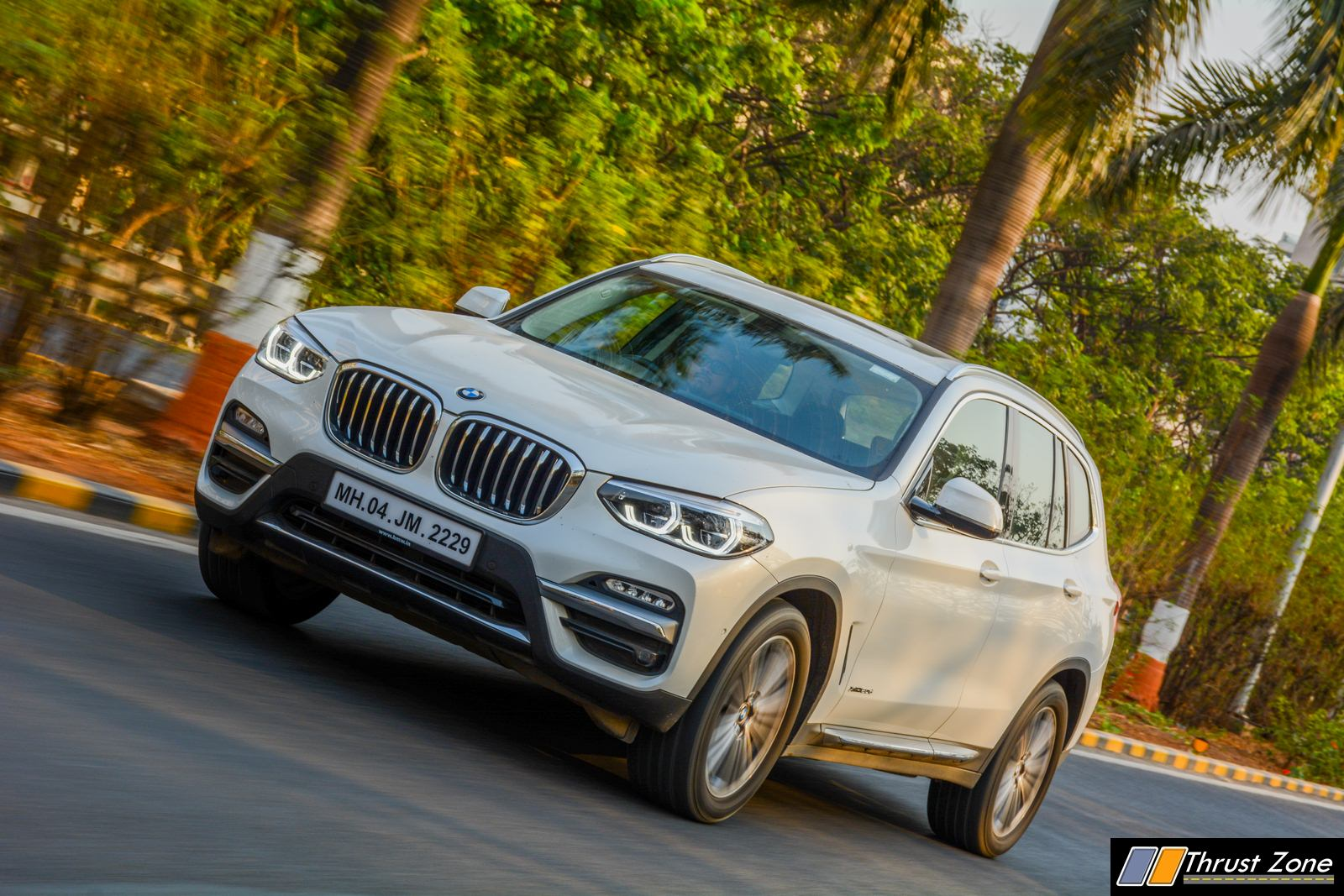 2019-BMW-X3-Diesel-India-Review-26