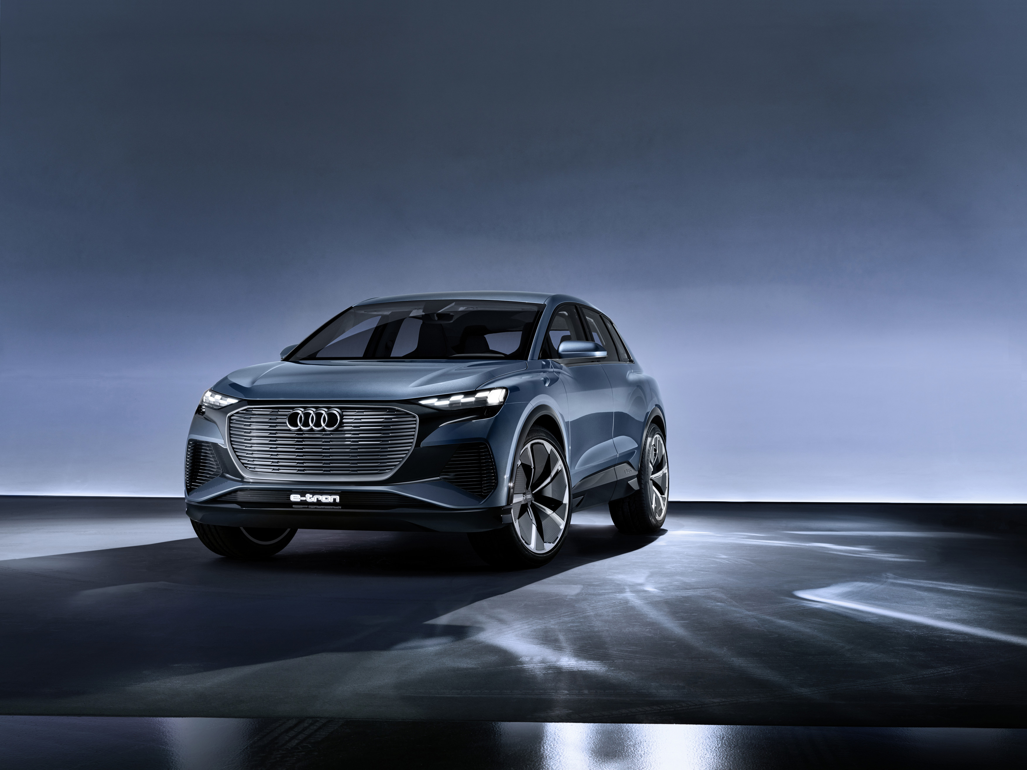 audi q4 etron concept aims to practical with four doors. Black Bedroom Furniture Sets. Home Design Ideas