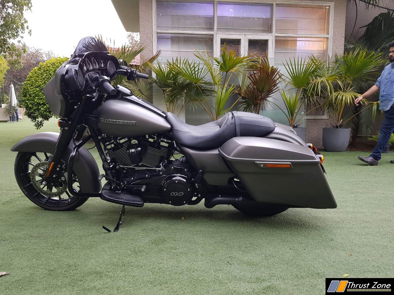 https://www.thrustzone.com/wp-content/uploads/2019/03/Harley-Davidson-street-glide-special-india-launch-10.jpg