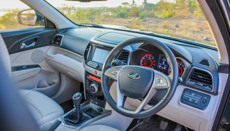 2019-Mahindra-XUV-300-Petrol-Review-3