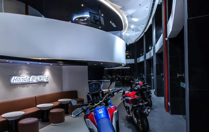 Honda BigWing Showroom- Product Display (2)
