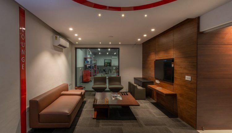 Honda BigWing Workshop- Customer Lounge
