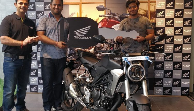 delivery of Neo Sports Café inspired CB300R (2)