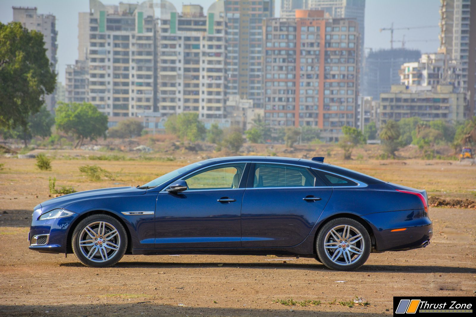 https://www.thrustzone.com/wp-content/uploads/2019/05/2019-Jaguar-XJ-50-Diesel-V6-Review-26.jpg