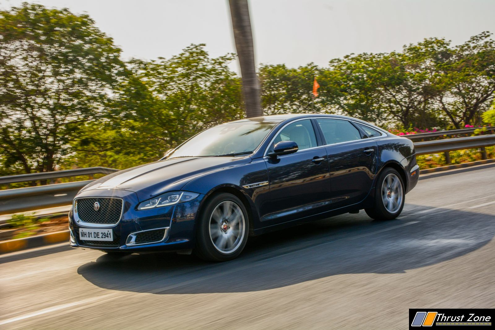 2019-Jaguar-XJ-50-Diesel-V6-Review-5