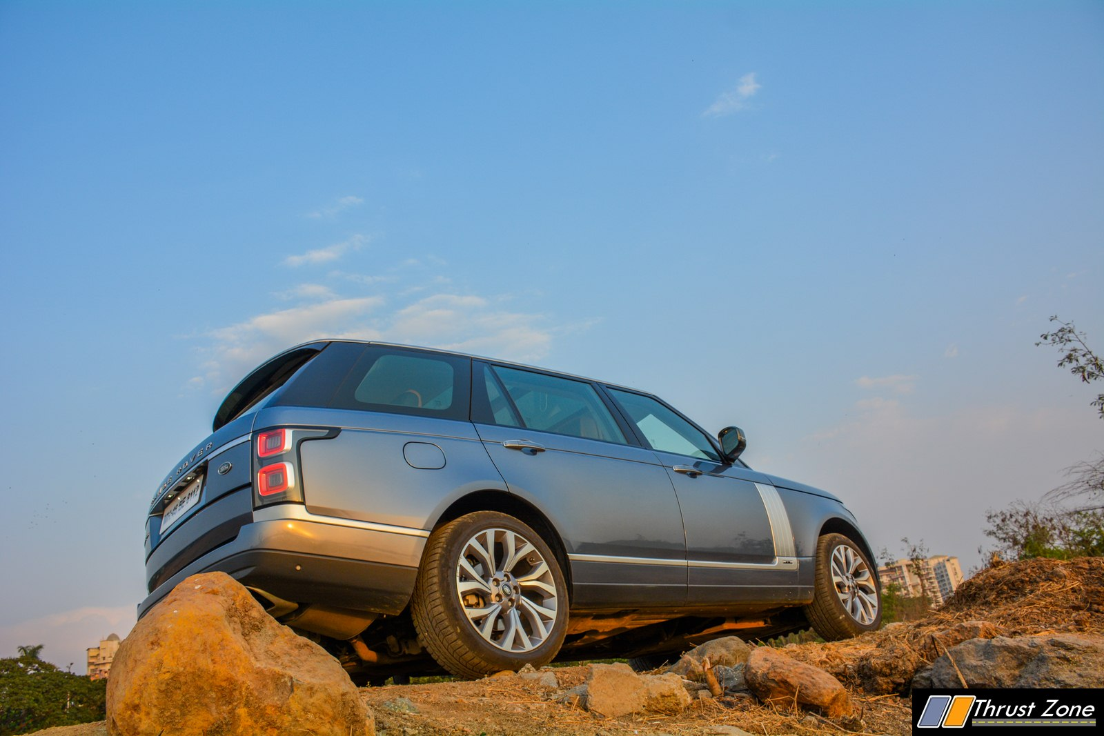 https://www.thrustzone.com/wp-content/uploads/2019/05/2019-Range-Rover-India-Diesel-V6-Review-31.jpg