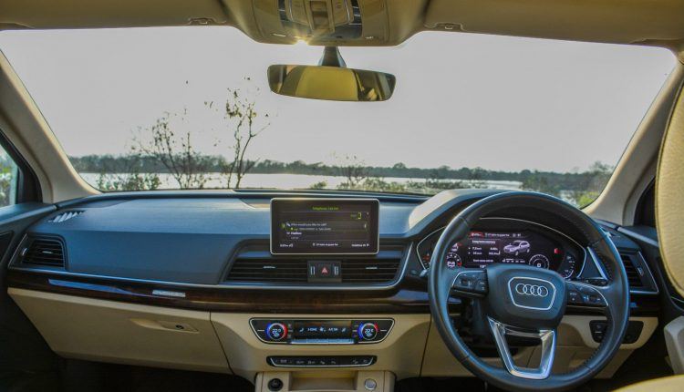 2019-Audi-Q5-Petrol-India-Review-interior-20
