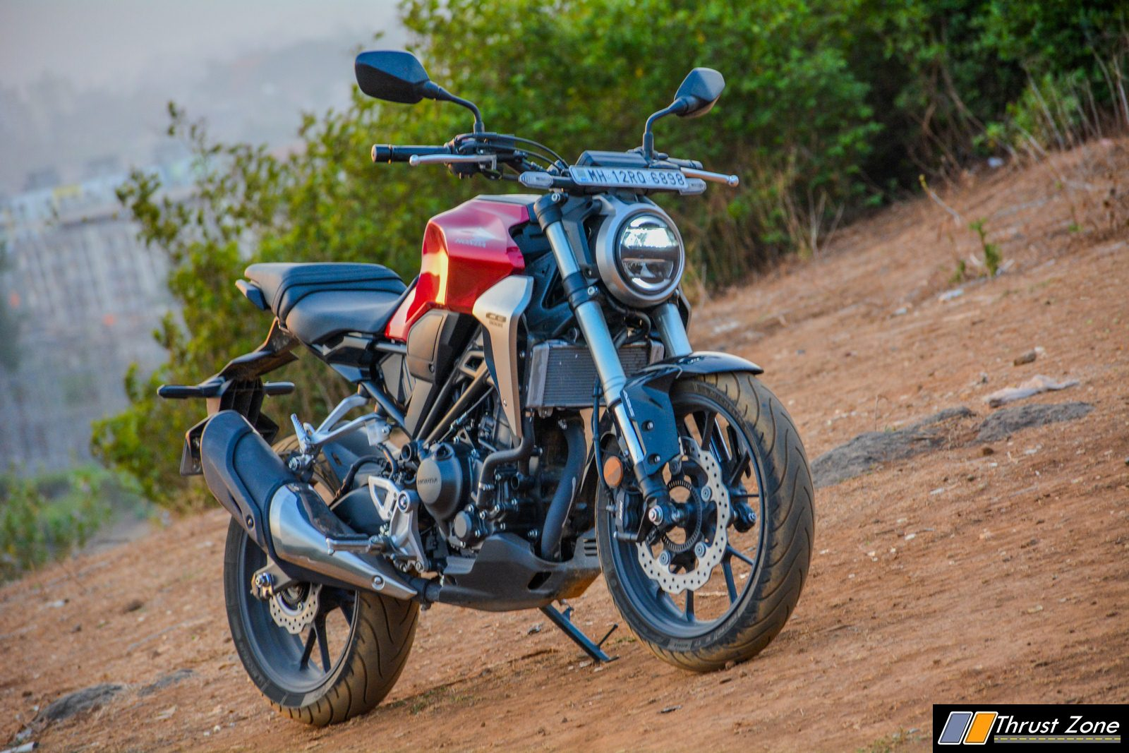 2019-Honda-CB300R-Review-India-25