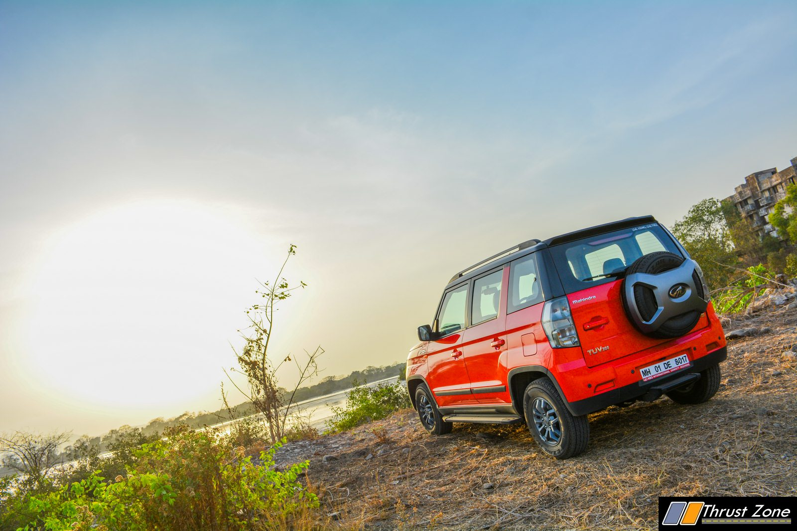 https://www.thrustzone.com/wp-content/uploads/2019/06/2019-mahindra-tuv-300-facelift-review-19-2.jpg