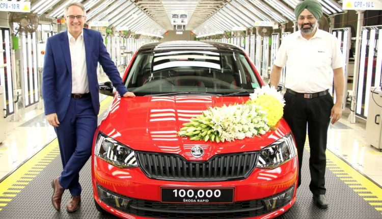 Skoda-rapid-one-lakh-unit (1)