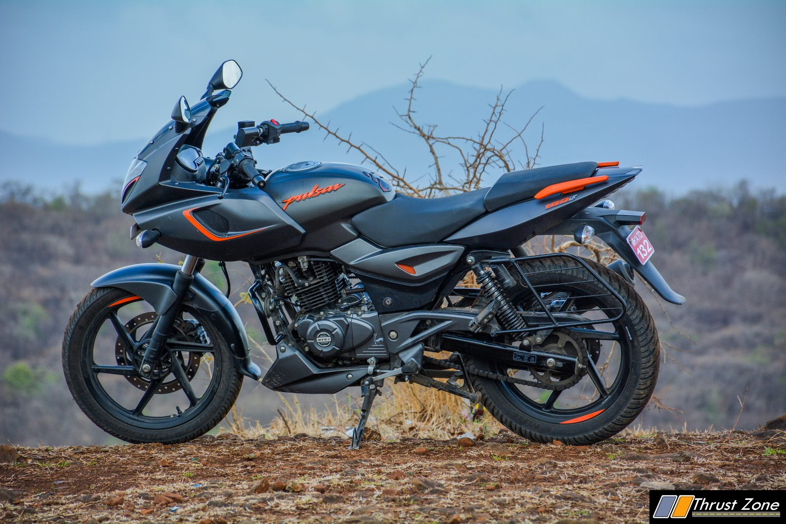 2019-Bajaj-Pulsar-180F-Review-15