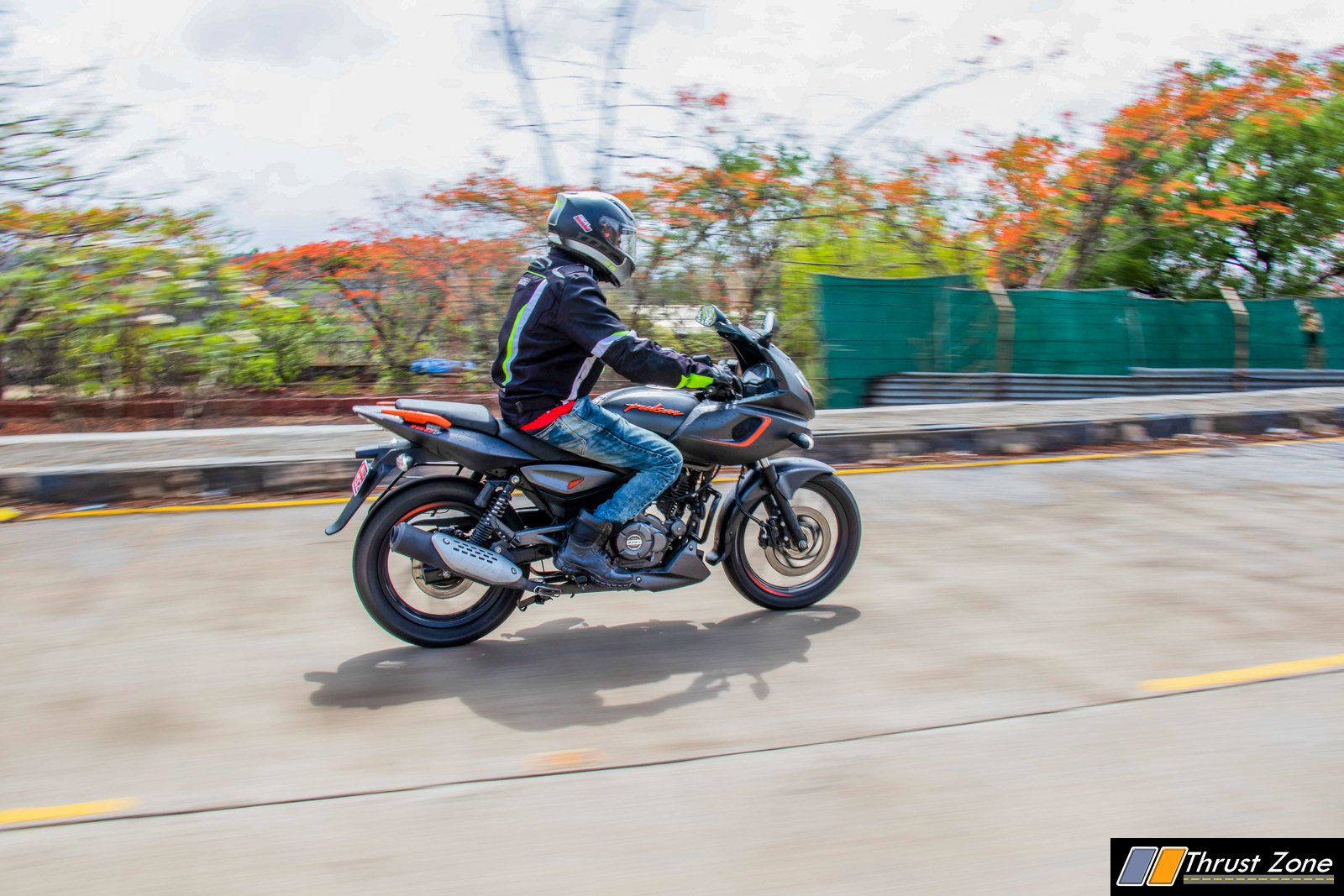 2019-Bajaj-Pulsar-180F-Review-2