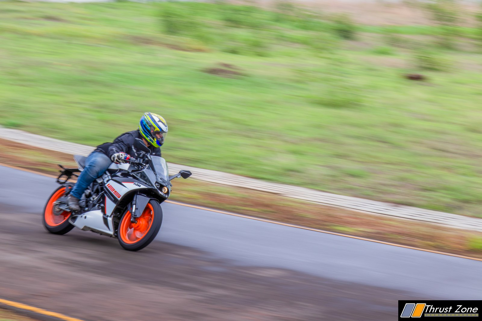 https://www.thrustzone.com/wp-content/uploads/2019/07/2019-KTM-RC-125-india-review-12.jpg