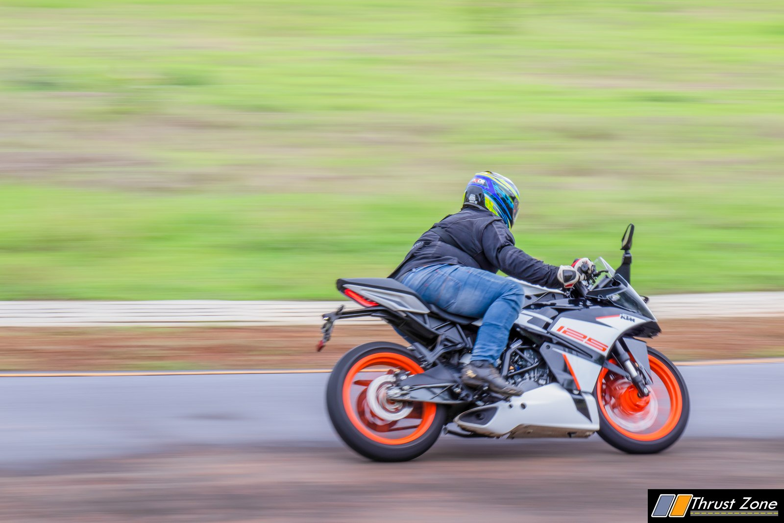 https://www.thrustzone.com/wp-content/uploads/2019/07/2019-KTM-RC-125-india-review-13.jpg