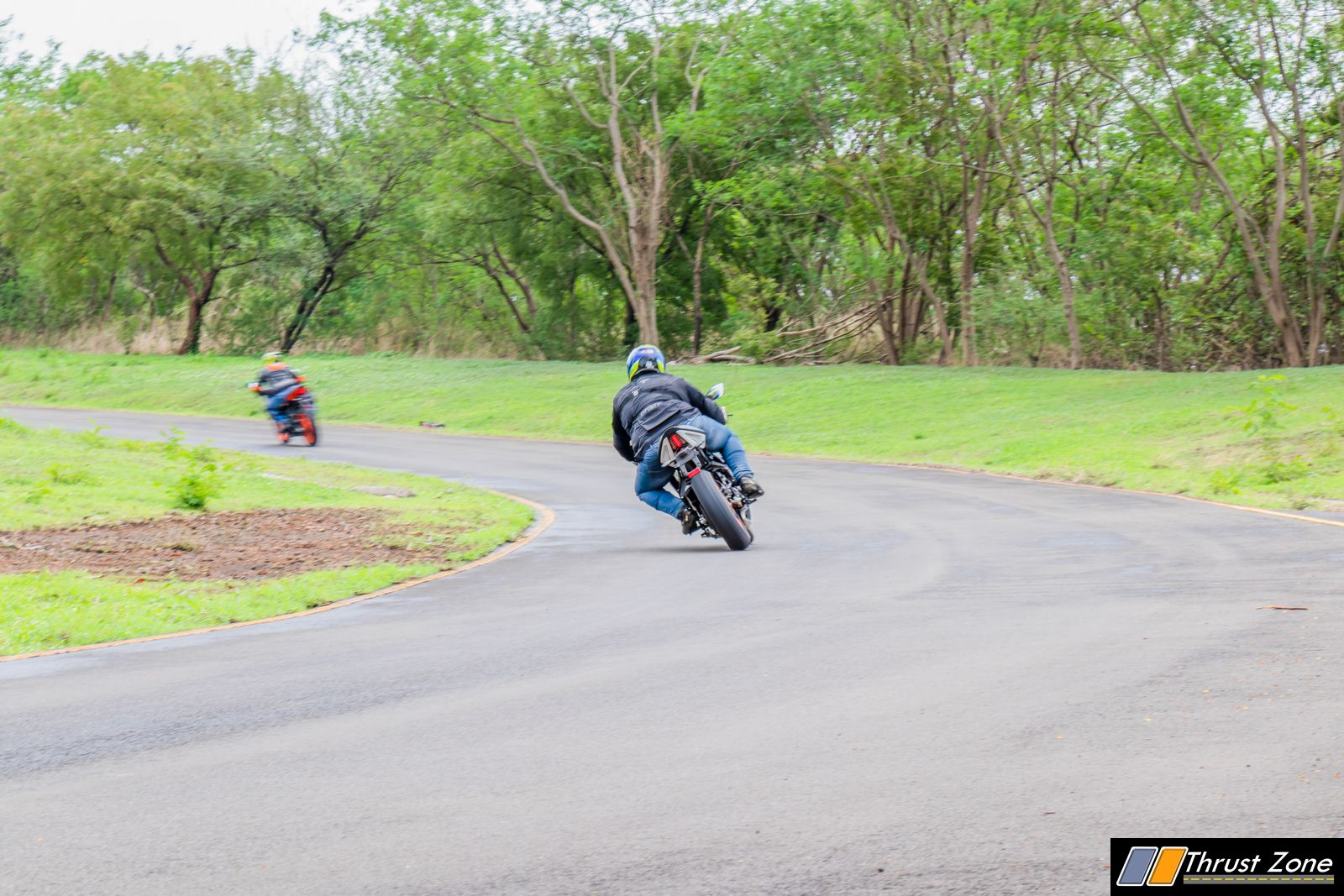https://www.thrustzone.com/wp-content/uploads/2019/07/2019-KTM-RC-125-india-review-16.jpg