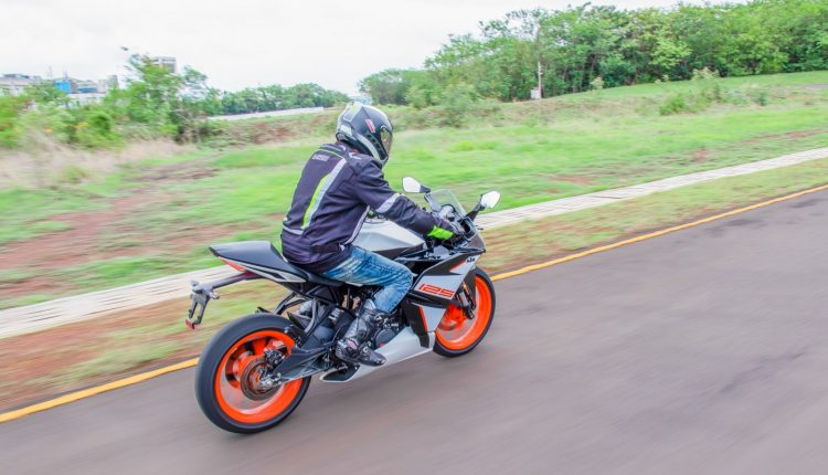 2019-KTM-RC-125-india-review-17