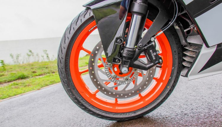 2019-KTM-RC-125-india-review-5