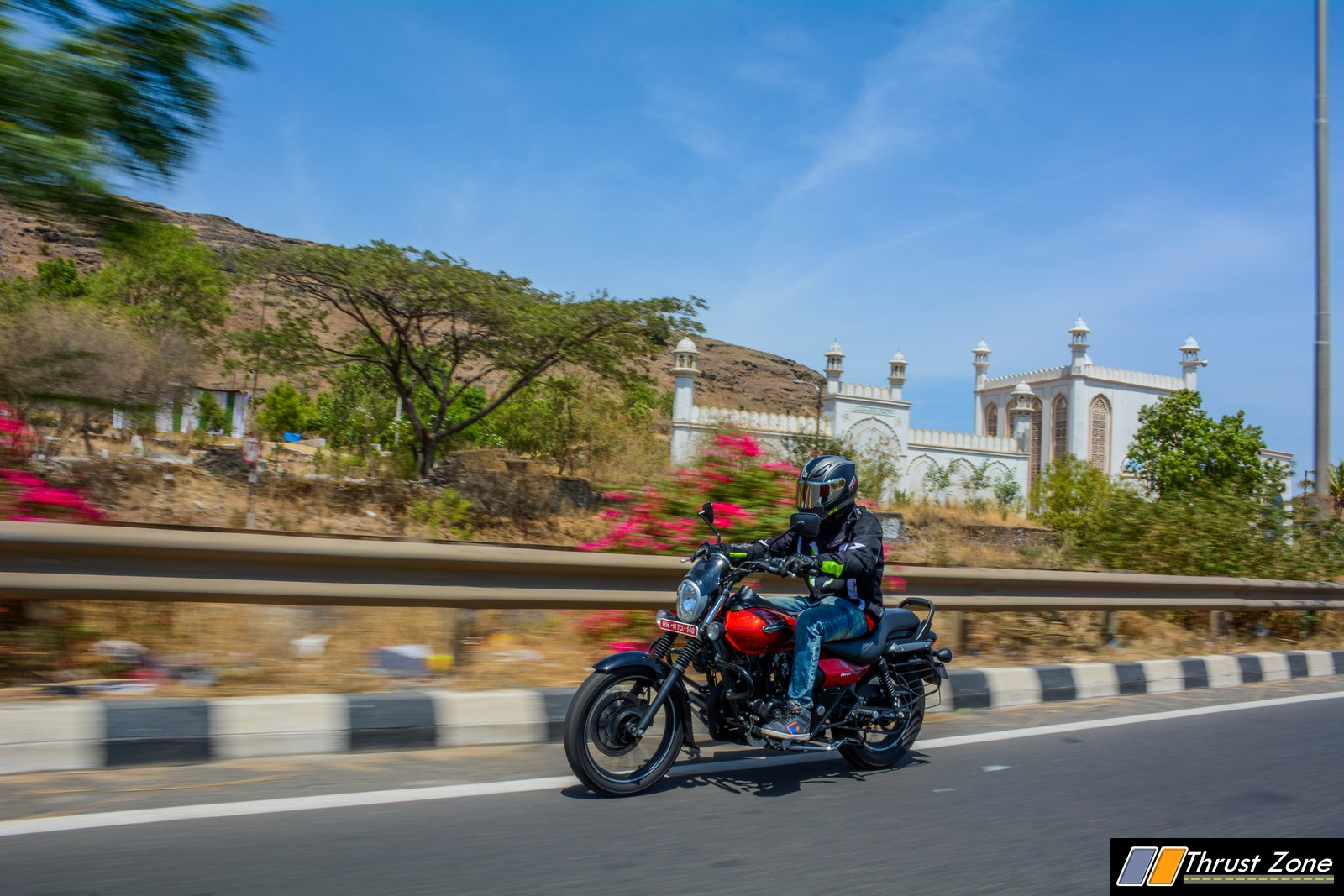2019-bajaj-avenger-160-bs4-review-2