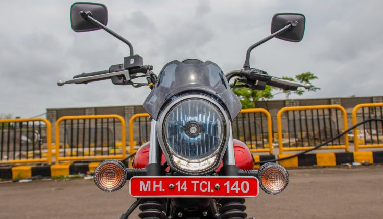 2019-bajaj-avenger-160-bs4-review-21
