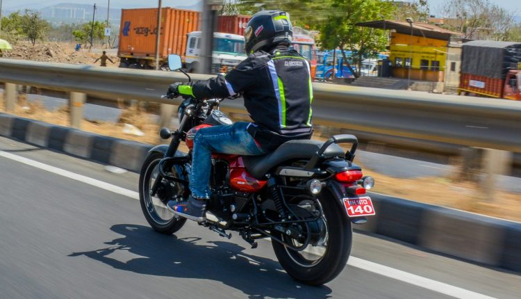 2019-bajaj-avenger-160-bs4-review-4
