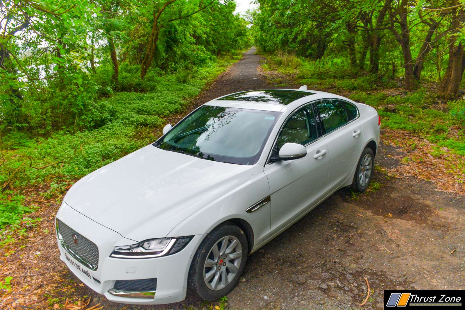 2019-Jaguar-XF-Petrol-prestige-review-9