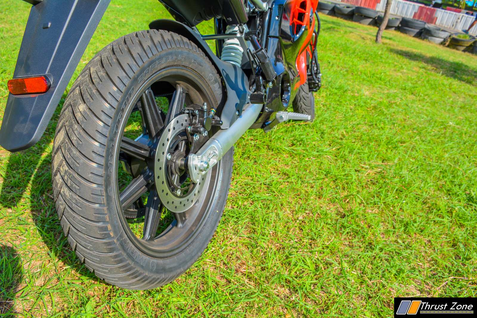 2019-Revolt-RV400-Review-Electric-Motorcycle-10