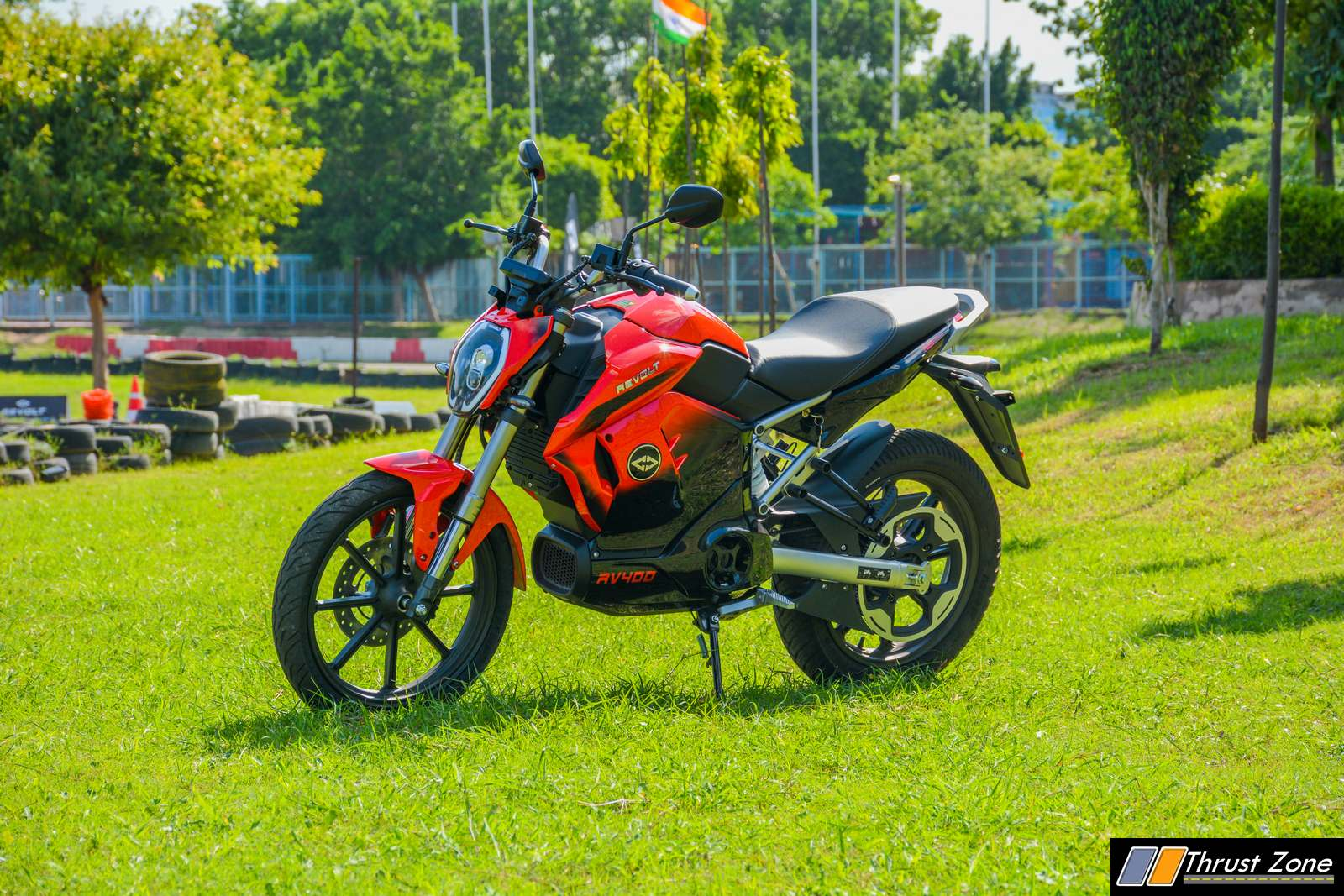2019-Revolt-RV400-Review-Electric-Motorcycle-21