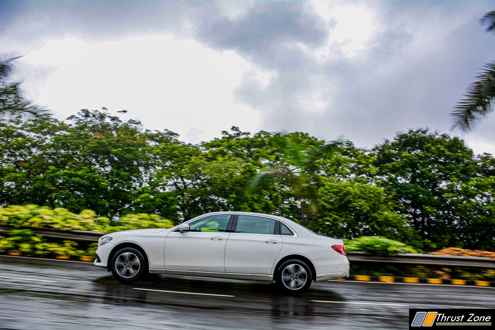 2019-BS6-Mercedes-E220d-India-Review,-1