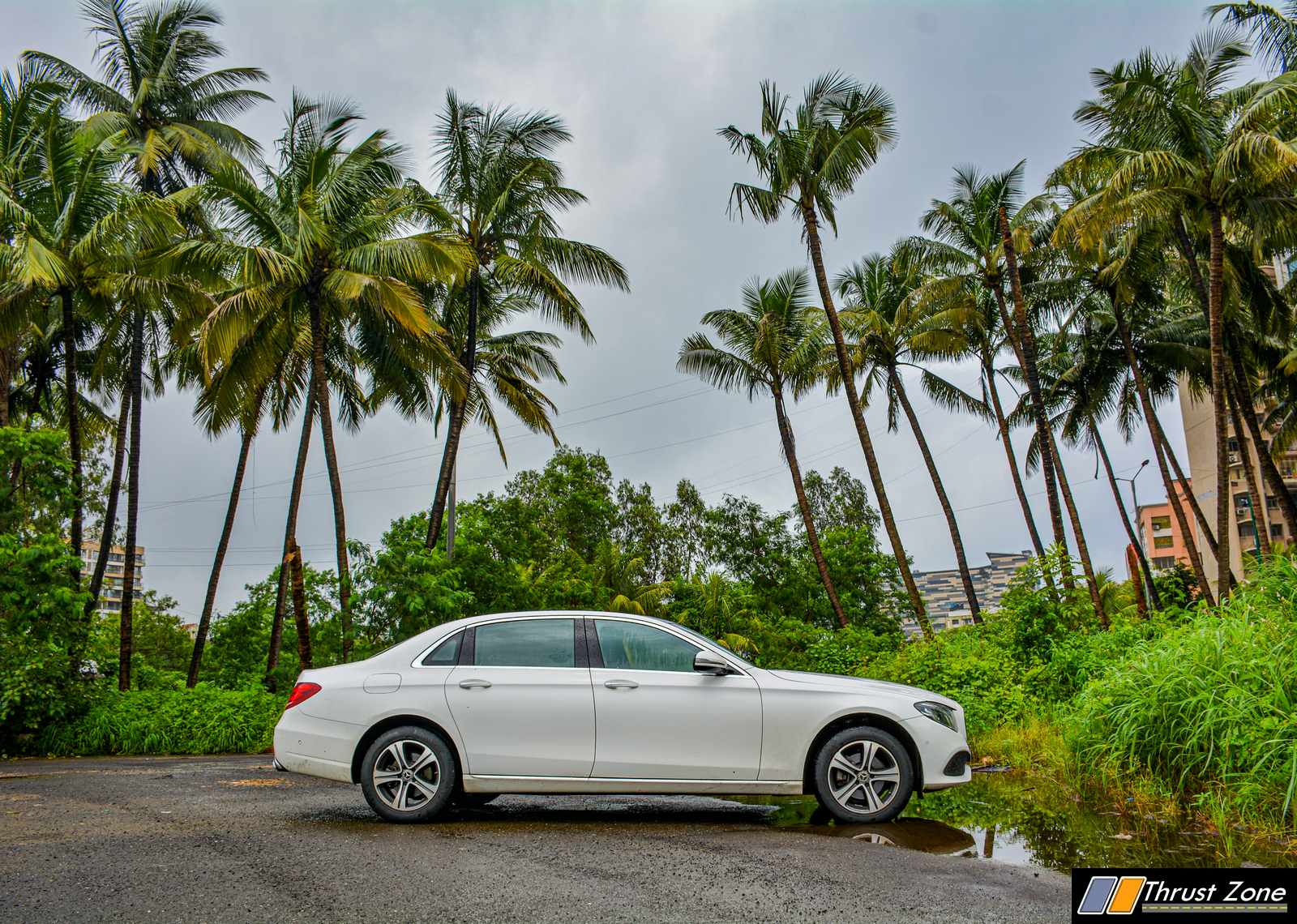 2019-BS6-Mercedes-E220d-India-Review,-13