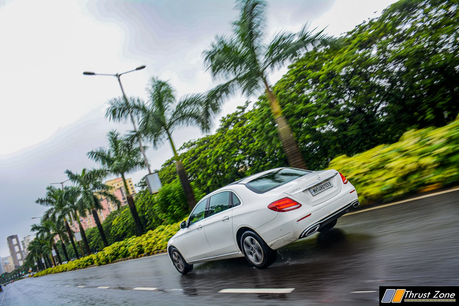 2019-BS6-Mercedes-E220d-India-Review,-3