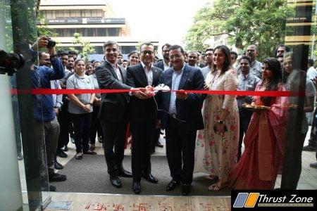 MG Motor Mumbai Flagship Store (1)