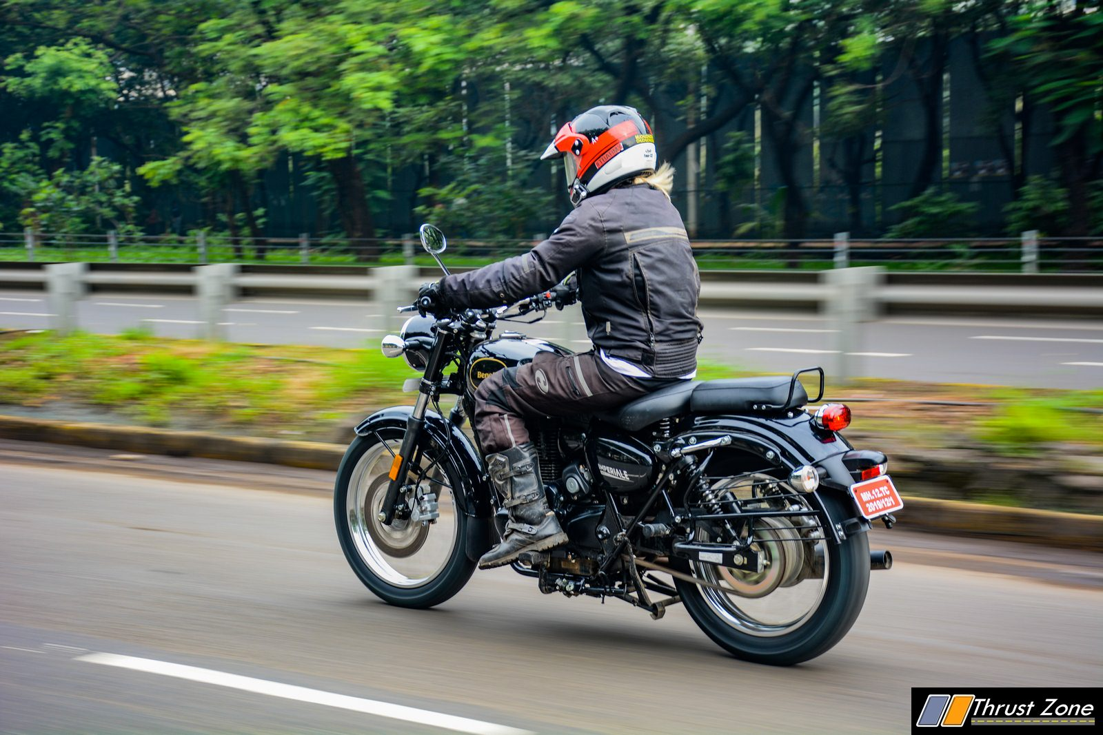 2019-Benelli-Imperaile-400-india-review-3