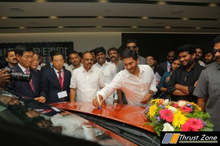 Kia Andhra Pradesh CM Shri Y S Jagan Mohan Reddy at Kia Motors plant inauguration ceremony with Mr. Kookhyun Shim, MD & CEO, KMI, Mr. Han Woo Park, President & CEO, Kia Motors Corp.