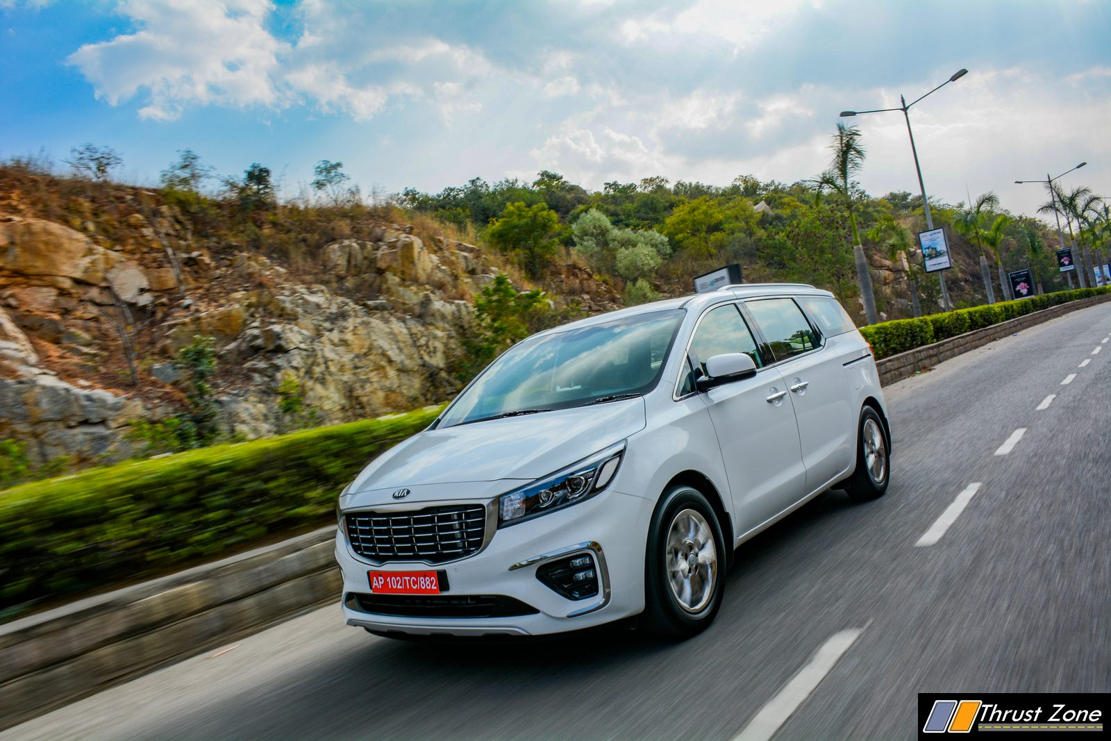 2020-Kia-Carnival-India-Diesel-Review-1