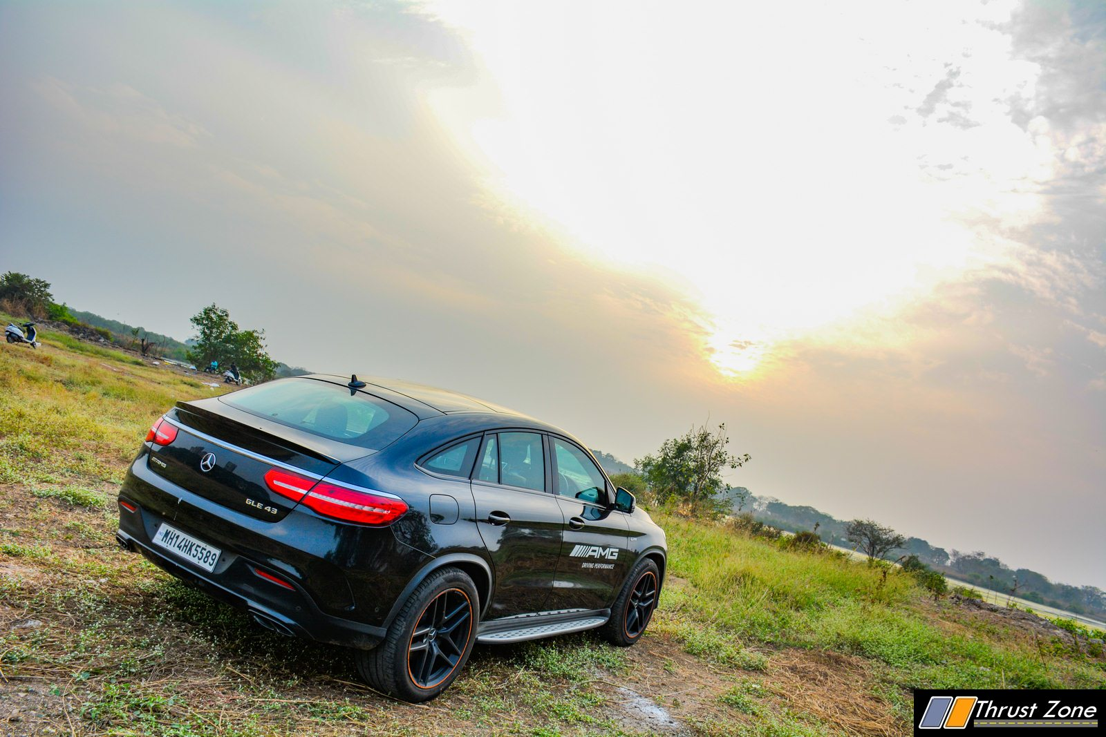https://www.thrustzone.com/wp-content/uploads/2020/03/2019-Mercedes-GLE-43-AMG-India-Review-12.jpg